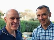 Didier Cuche (links) und Kurt Eberhard: Der ehemalige Skiprofi ist in den kommenden drei Jahren als Markenbotschafter für Hotelplan Suisse im Einsatz. (Bild: Dominik Buholzer (Athen, 12.Juni 2018))