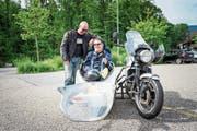 Töff-Freunde fürs Leben: Gerben Mesland im Seitenwagen von Danilo Braccinis Motorrad. (Bild: Roger Grütter (Littau, 11. Juni 2018))