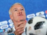 Im Auftaktspiel gegen Australien klar favorisiert: Frankreich mit Nationaltrainer Didier Deschamps (Bild: KEYSTONE/AP/DAVID VINCENT)