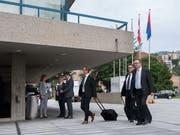 Ankunft der Delegierten der Raiffeisen Gruppe Schweiz an der Delegiertenversammlung in Lugano. (Bild: KEYSTONE/TI-PRESS/DAVIDE AGOSTA)