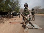 Im Nordosten Nigerias sind mindestens 31 Personen bei Selbstmordanschlägen getötet worden. (Bild: KEYSTONE/AP/LEKAN OYEKANMI)