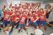 Die Rotkreuzer Spieler jubeln. Sie steigen erstmals in die 2. Liga auf. (Bild: Christian H. Hildebrand (Rotkreuz, 16. Juni 2018))