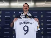 Zlatan Ibrahimovic ist noch immer omnipräsent rund ums schwedische Nationalteam (Bild: KEYSTONE/EPA/ANDREW GOMBERT)