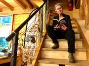 Regula Stadler liest aus ihrem Buch. (Bild: Christiana Sutter)