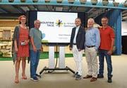Margrit Hinterholzer, Peter Kindler, Franz With, Reinhard Frei und Rolf Domenig (von links) stehen hinter den Industrietagen. (Bild: Corinne Hanselmann)