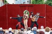Die Akteure setzen punktgenau Mimik, Gestik und Akrobatik ein. (Bild: Alice Das Neves)