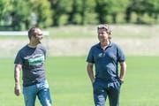 Jeff Saibene stattet seinem ehemaligen Club einen Besuch ab. Links: Medienchef Daniel Last. (Bild: Hanspeter Schiess)