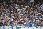 FCL-Fans in der Swissporarena. (Bild: Dominik Wunderli (Luzern, 28. Mai 2017))