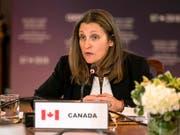 Zölle auf Joghurt, Kaffee und Waschmaschinen: Kanadas Aussenministerin Chrystia Freeland kündigte Vergeltung für die US-Strafzölle auf Stahl und Aluminium an. (Bild: KEYSTONE/AP The Canadian Press/CHRIS YOUNG)