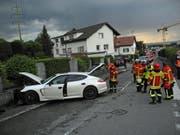 Die Unfallstelle in Galgenen am Freitagabend. Bild: Kapo Schwyz
