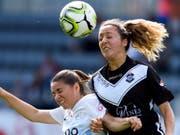 Shelby Nieto (rechts) und die Frauen vom FC Lugano boten den Favoritinnen aus Zürich mit Patricia Willi lange erfolgreich die Stirn (Bild: KEYSTONE/ANTHONY ANEX)