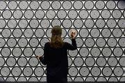 Die interaktive Dart-Installation von Jacob Dahlgren. Wo viele Ziele sind, ist Verwirrung. (Bild: Manuela Matt/PD)