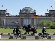 In der regelmässig publizierten Meinungsumfrage zu deutschen Parlamentswahlen, sind die Liberalen in Deutschland abgerutscht. (Bild: KEYSTONE/EPA/ALEXANDER BECHER)