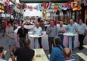 Speziell: Der Buchser Stadtrat stellte sich in der «Gass» zwischen zwei WM-Spielen den Fragen der Bürgerschaft. (Bild: Hanspeter Thurnherr)