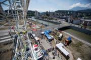 Blick vom Riesenrad auf den Seetalplatz und die kleine Emme während des Eröffnungsfests am vergangenen Wochenende. Bild: Pius Amrein (Emmen, 16. Juni 2018)