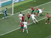 Die entscheidende Szene der Partie Portugal - Marokko: Cristiano Ronaldo trifft nach weniger als vier Minuten zum 1:0 (Bild: KEYSTONE/AP/VICTOR CAIVANO)