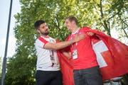 Die beiden Freunde und Fussabllfans Vasko Lakic (links) und Joel Gilli sind gemeinsam nach Russland gefahren. (Bild: Dominik Wunderli (Luzern, 19. Juni 2018))