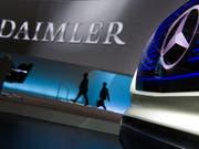 Diesel-Skandal: Anleger verklagen auch Daimler auf Schadenersatz. (Bild: KEYSTONE/dpa/SOEREN STACHE)