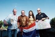 Peter Duss, Dani Burkard, Sudarat Khambaomueang und Bärti Reichel (von links) freuen sich auf den Anlass vom Samstag. (Bild: Stefan Kaiser (Hünenberg, 19. Juni 2018))