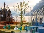 Die zauberhafte Inszenierung von «Die Schöne und das Biest» vor der atemberaubenden Kulisse des Walensees lassen die Herzen von Musical-Fans höher schlagen. (Bild: Keystone-SDA/ Eddy Risch)