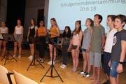 Die Schüler der 2. Sekundarklasse aus Bischofszell stimmten in den Abend der Versammlung ein. (Bild: Trudi Krieg)
