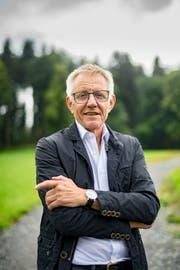 Wurde als Co-Autor für ein Buch über Toni Brunner angefragt: Hanspeter Trütsch.