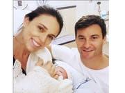Mit diesem Photo präsentiert Neuseelands Regierungschefin ihr neugeborenes Baby. (Bild: KEYSTONE/AP Jacinda Ardern)