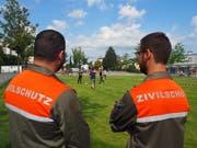 Einen Tag lang unter externer Beobachtung: Gestern wurden die Oberstufenschüler von Zivilschützern betreut. (Bild: Angelina Donati)