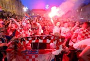 In Zagreb ist die Stimmung nach dem Sieg gegen Argentinien auf dem Höhepunkt. (Bild: Keystone)