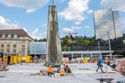 Rückreise des Lämmlerbrunnen aus der Kunstgiesserei auf den Kornhausplatz (Bild: Urs Bucher)