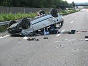 Medikamente können die Fahrfähigkeit beeinträchtigen, doch diese Gefahr wird laut der Beratungsstelle für Unfallverhütung (bfu) auf Schweizer Strassen oftmals unterschätzt. Eine neue Kampagne soll die Zahl der schweren Unfälle senken. (Bild: Keystone/KANTONSPOLIZEI AARGAU/HANDOUT)