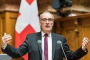 Bundesrat Guy Parmelin an der Sommersession der Eidgenoessischen Raete, am Dienstag, 5. Juni 2018 im Nationalrat in Bern. (KEYSTONE/Alessandro della Valle)