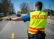Verkehrskontrolle der Kantonspolizei Thurgau an der Wilerstrasse in Weinfelden.