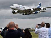 Airbus droht mit dem Abflug aus Grossbritannien bei einem harten Brexit. (Bild: KEYSTONE/EPA/HANNAH MCKAY)