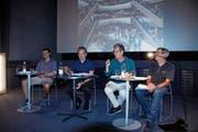 Die Konsumwelt drängt den Kunstfilm ab. Der Vorstand lässt sich davon nicht entmutigen: Marco Knaus, Florian Schällibaum, Peter Bötschi und Paul Balzer (von links). (Bild: Peter Küpfer)