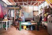 Sie alle müssen sich in einem neuen Leben zurechtfinden: Nach Jahrzehnten im bewaffneten Kampf für die Farc leben diese Ex-Guerilleros nun in vom Staat bereitgestellten Siedlungen aus Gipskartonhäusern. (Bild: Bilder: Nick Jaussi (Tierra Grata, 6. Mai 2018))