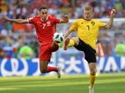 Der Tunesier Saifeddine Khaoui (links) gegen Belgiens Starspieler Kevin De Bruyne (Bild: Keystone/EPA/PETER POWELL)