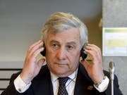 Der EU-Parlamentspräsident Antonio Tajani sagt in einem Interview, die EU-Mitgliedstaaten sollten nicht nur auf ihre eigenen Interessen schauen. (Bild: KEYSTONE/APA/APA/HERBERT NEUBAUER)