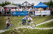An der Einweihung des BMX-Parks in Weinfelden wurde reichlich Renn-Action geboten.(Bild: Reto Martin)