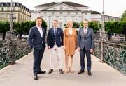 Von links: Benedikt von Peter (Intendant Luzerner Theater), Jörg Baumann (Chief Marketing Officer Bucherer AG), Birgit Aufterbeck Sieber (Präsidentin Stiftung Luzerner Theater), Beat Schmid (Direktor Bucherer AG Luzern). (Foto: Ingo Höhn)