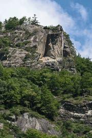 Michael Günzburger befestigte «Vermicelles» an einer Felsnase im nahen Italien.