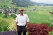 Der zurücktretende Gemeindepräsident Peter Scheuber auf seinem «Königssitz», dem Heimwesen Burg. (Bild: Robert Hess (Ennetmoos, 18. Juni 2018))