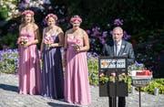 Eröffnungsfeier im Rosengarten Harmonie: OK-Präsident Bernhard Bischof heisst die Gäste in Bischofszell willkommen. (Bild: Reto Martin)