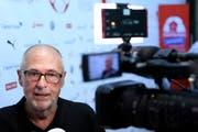 Peter Gilliéron am Sonntag vor Medienvertretern in Togliatti (Bild: Keystone)