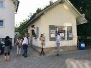 Zum 40-Jahr-Jubiläum traf man sich nochmals am Ort des Ursprungs. In der einstigen Schuhmacherei an der Gupfenstrasse beim Marktplatz wurde am 18. November 1978 der erste Dritt-Welt-Laden auf dem Platz Flawil eröffnet. (Bilder: Andrea Häusler)