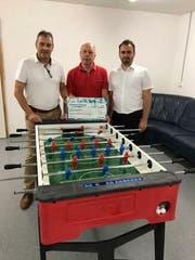 Von links: Kurt Baumann (Hauptagent Uri Helvetia), Walter Gattlen (Haus Carmen) sowie Robert Murina (Aussendienst Gebiet Seedorf Helvetia). (Bild: PD)