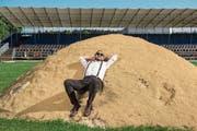 «Mit Mundart wirst du wohl nie cool sein»: Marco Kunz in der Schwingarena in Ruswil. (Bild: Dominik Wunderli (Ruswil, 20. Juni 2018)