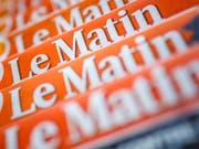 Die Printausgabe der Westschweizer Zeitung «Le Matin steht vor dem Aus. Tamedia will das Blatt Ende Juli einstellen. 41 Mitarbeitende droht der Verlust der Stelle. (Bild: Keystone/VALENTIN FLAURAUD)