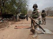 Bei einem Streit von rivalisierenden Gruppen in Nigeria sind mindestens 86 Personen ums Leben gekommen. (Bild: KEYSTONE/AP/LEKAN OYEKANMI)