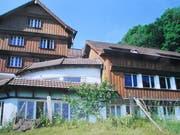 Das ehemalige Kurhaus wird derzeit als Gästehaus genutzt. (Bild: Peter Eggenberger)